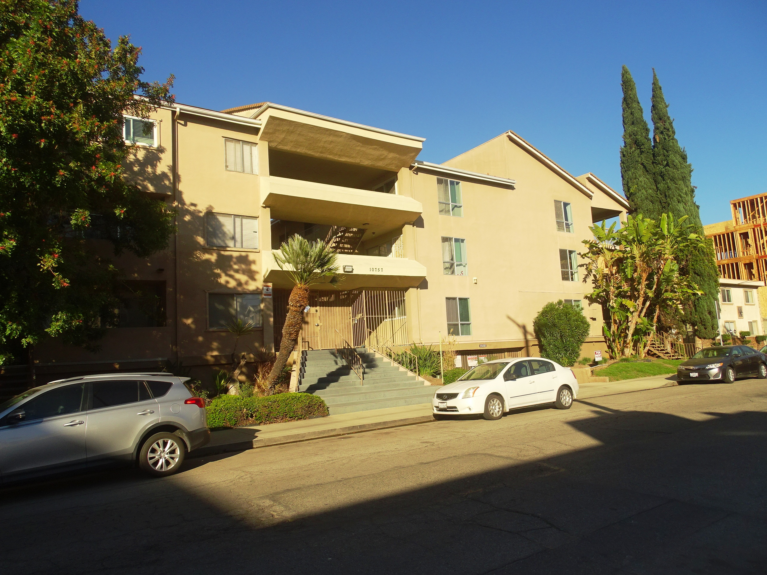 10757 Hortense St., Unit 102, North Hollywood, CA 91602